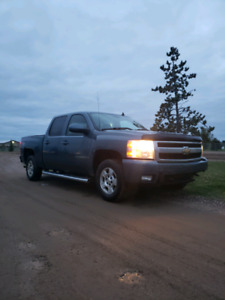 2007 Z71 1500 Chevy. Fully loaded options. With extra tires