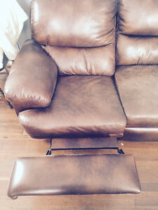 Reclining leather couch London Ontario image 3