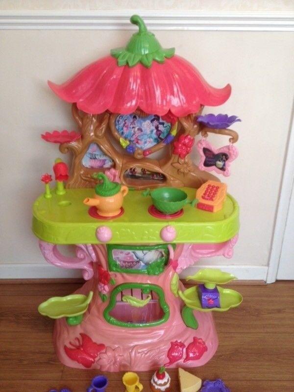 * Princess/Fairy Childrens Play Kitchen *