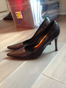 Womens Black Pointy-toed 4 inch Pumps - Size 8