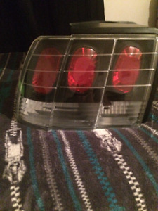 1999-2004 ford mustang tail lights