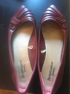 Size 8 red flats