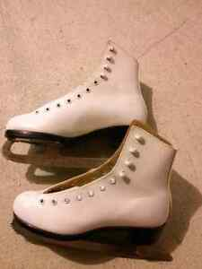 @ women girls figure skates size 5
