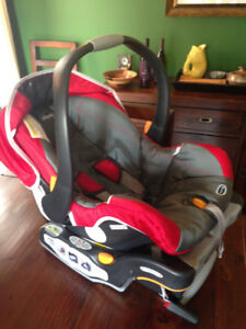 Chicco Keyfit Infant 30 and Infant Insert