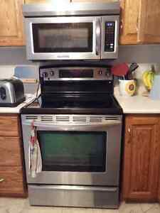 Kitchen Aid glass flat top Stainless Steel oven