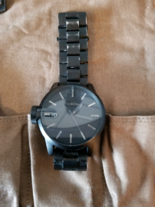 Nixon watch - Black