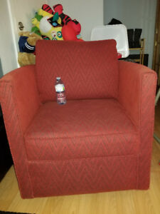 Red Alan White Swivel Accent chair GUC