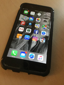 iPhone 6 Plus 16G with screen protecter and Tech21 case