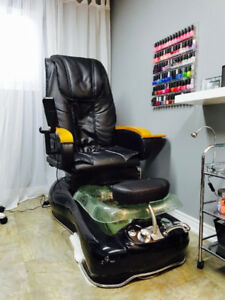 Pedicure chair with massagers & glass basin - pipeless system