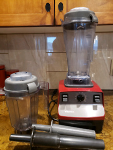 Vitamix, red like new