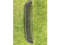 Ford Focus 2008 middle grill