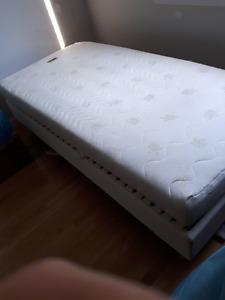 Twin  Electric adjustable bed & bases