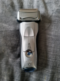 Braun Series 7 790cc Shaver & Cleaning system