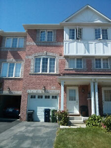 3 BEDROOM TOWNHOUSE AT DANFORTH RD/BIRCHMOUNT FOR RENT