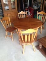 country charm dining/kitchen set