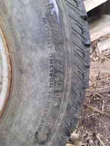 LT 265 / 75R16 Nokian and rims