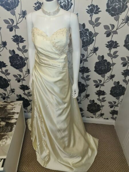 Wedding Dress Size 20 24 Dublin Gumtree Classifieds Ireland 840660868