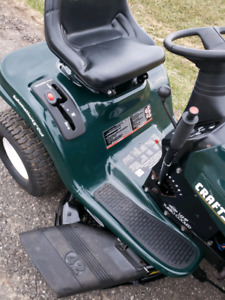 CRAFTSMAN RIDING MOWER. PERFECT CONDITION *DELIVERY IS AVAILABLE