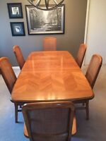 Dining table and hutch, includes 6 chairs