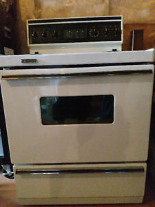 White Westinghouse - electrical stove