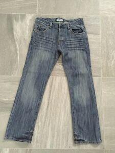 Jeans DIESEL pour homme: 80$ (neuf, jamais porté)