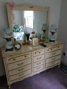 Very nice bedroom set will not sell separate