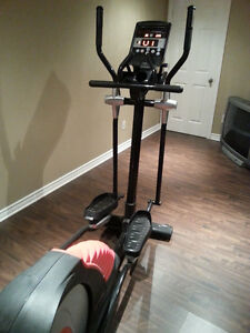Exerciseur elliptique Smooth Fitness CE 7.4 West Island Greater Montréal image 3