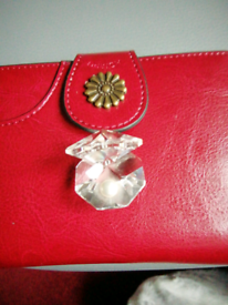 Small crystal shell with a real pearl.