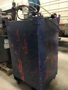 SHOP OIL TANK WITH GRACO AIR PUMP AND REEL