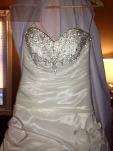 Gorgeous Private Label by G 1383 wedding dress London Ontario image 4