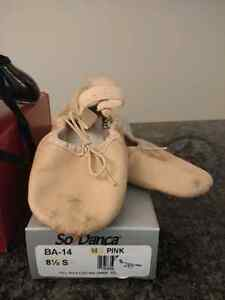 Dance shoes childrens size 8.5