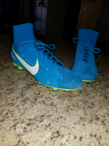 Soccer cleats brand new!  Size 8