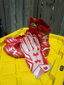 under armour football spikes and matching gloves