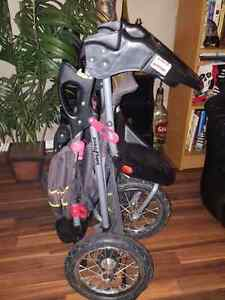 PRICE REDUCED baby stroller PRICE REDUCED  Edmonton Edmonton Area image 3