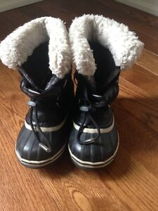Black Sorel Size 10 Winter Boots