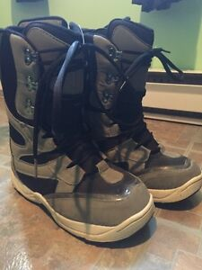 DD snowboard boots size 9