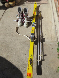 Complete set of older Atomic skis, bindings, boots and poles