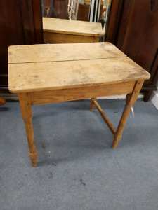 """ANTIQUE SOLID WOOD TABLE 28"""" L 20"""" W 26"""" H"""
