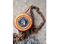 1/2 Ton lift weight block and tackle hoist and chain