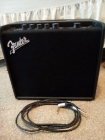 Fender Mustang LT25 amp with lead and power cable