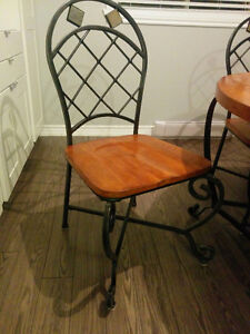 Great solid wood set with iron chairs ! Cornwall Ontario image 2