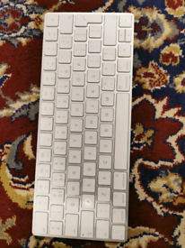Apple A1644 Wireless Magic 2 Keyboard - UK QWERTY Keyboard (MLA22B/A)