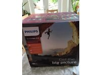 Phillips screeneo 2.0 hdp2510 projector brand new