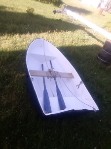 7.5ft rowboat. Trade for other dinghy