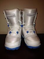 NEW BOYS GIRLS FIREFLY SNOWBOARD BOOTS SIZE 3.5 Like 3
