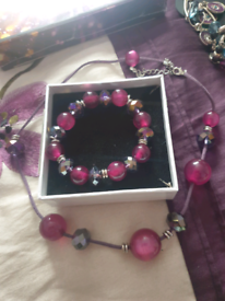 6 sets of costume jewellery