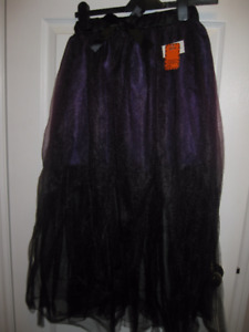 BNWT- Purple & Black Toole Skirt