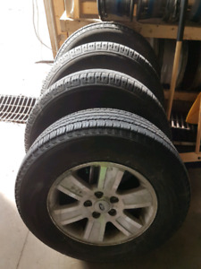 235 70 R16 michelin tires on ford explorer rims