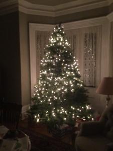 9 foot Christmas tree. 4 easy pieces,original box,