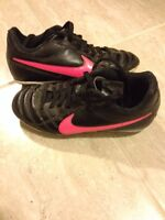 Girls size 12 soccer shoes